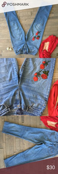 Embroidered roses 🌹 denim jean pants cute design Vintage jean Charter Club Jeans Boyfriend