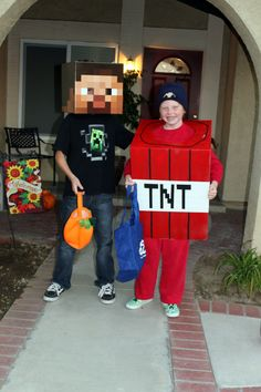 MInecraft Halloween costume: Steve & TNT
