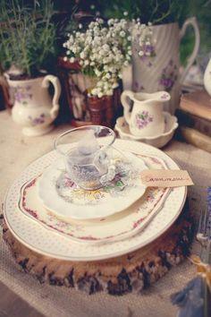 Vintage table place setting (via Jen Rios Design)