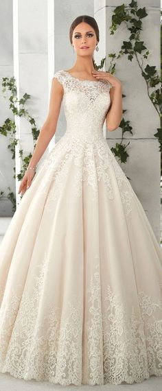 Best A-line Wedding Dresses : Charming Tulle & Satin Scoop Neckline A-Line Wedding Dresses With Lace Appli