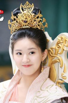 Also you may free to read Xianxia/romance stories on Chinese Traditional Costume, Traditional Dresses, Japanese Geisha, Japanese Kimono, Chinese Clothing, Chinese Dresses, Chinese Actress, Hanfu, Historical Clothing