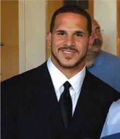 Puerto Rican descent, Justin Fargas, NFL football player! Puerto Rican Men, Nfl Football Players, Sharp Dressed Man, Puerto Ricans, Big Men, Good Looking Men, Hot Boys, Male Models, Black Men