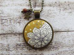 Blütenprint Kugelkette ▲ senfgelb  von Stixeria auf DaWanda.com