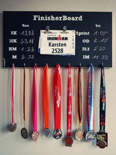Wanddeko - Medaillenhalter Laufen und Triathlon 'HAWAII' - ein Designerstück von finisherboard bei DaWanda
