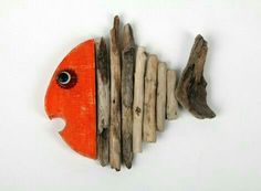 The Driftwood Searcher Driftwood Fish, Painted Driftwood, Driftwood Wall Art, Driftwood Projects, Crafts To Make, Home Crafts, Arts And Crafts, Deco Marine, Felt Fish