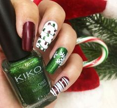 Christmas Nail Art Design & Ideas that will surely give you a Christmas season cheerful this year.