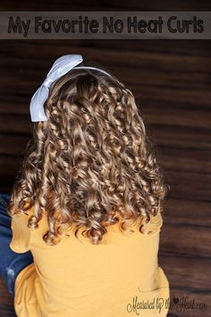 On instagram yesterday, someone asked what was our favorite no heat curls.  That made me realize I haven't shared this tutorial with you guys.  This is BY FAR my favorite way to do no heat curls.  The results are great and you get spiral curls that stay in all for a long time. Don't those …
