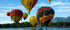 http://mundodeviagens.com/baloes/ - Balões de ar quente: a ideia parece saída de um livro de Júlio Verne mas a verdade é que já é possível voar desta forma em Portugal. Empurrados pelo vento, os balões da empresa Barlavento Ballons levam portugueses e turistas pelo ar. A experiência fica na memória de quem se atreve a subir a bordo do cesto mas não é de certeza um desafio para todos.