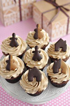 Chocolate Gingerbread Cupcakes por Sweetapolita