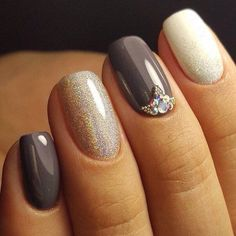More and More Pin: Nail Art | Nail design | Unhas com glitter e joia de unha