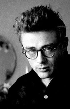 James Dean photographed by Dennis Stock, 1955 source: goldenageestate Classic Hollywood, Old Hollywood, Steeve Mcqueen, Dennis Stock, James Dean Photos, James Dean Style, Nostalgia, East Of Eden, Actor James