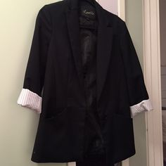 Blazer Used blazer. Pretty well worn, you can tell from the pictures. Large Jackets & Coats Blazers