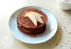 These healthy egg yolk ragi pancakes for babies make a tasty finger food idea, packed with the goodness of finger millet and the sweetness of applesauce! Baby Led Weaning Breakfast, Baby Breakfast, Breakfast Recipes, Picky Toddler Meals, Toddler Lunches, Toddler Dinners, Baby Pancakes, Banana Pancakes, Egg Yolk Recipes