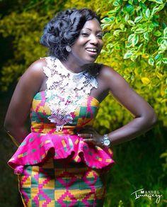 Robe en kita et dentelle African Lace, African Wear, African Attire, African Women, African Print Dresses, African Fashion Dresses, African Dress, African Inspired Fashion, African Print Fashion