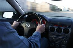 Many motorists have experienced this problem: The steering wheel starts to shake when brakes are applied at high speed. Driving Test, High Speed, Car, Shake, Amazing, Happy, Tips, Collection, Autos