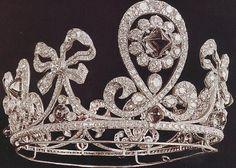Tiara Mania: Empress Alexandra Feodorovna of Russia's Emerald Parure Tiara