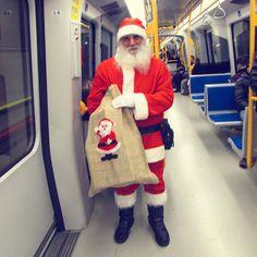 Santa Claus is coming to town!  #natale #santaclaus #santaclausiscomingtotown #metro #christmastime #christmas #ariadinatale #natale2015 #vivomilano #milano #igitaly #ig_milano #igerslombardia #igersmilano #top_lombardia_photo #loves_milano #babbonatale #babbonataleesiste #milanodavedere #milaninsight by nigara129