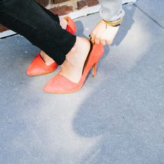 noticed: the frayed edge jean. that's the red suede madewell mira heel and high riser skinny skinny jeans. Two Daughters, Trash To Treasure, Summer Bags, Suede Heels, Vintage Sewing Patterns, Leg Warmers, Madewell, Personal Style, Kitten Heels
