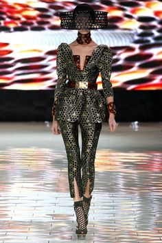 from: Alexander McQueen Spring 2013 Ready-to-Wear Collection Slideshow on Style.com