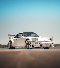Porsche 993, Porsche Cars, Hey Porsche, Cool Sports Cars, Cool Cars, Custom Porsche, Super Fast Cars, Bmw 1 Series, Fancy Cars