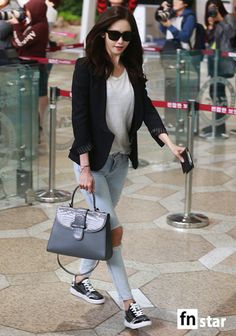 Black Tailored Blazer with Damaged Pants Airport Fashion of Snsd Yoona