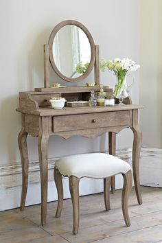 Love this dressing table!