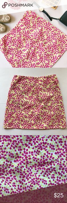 """J. Crew Floral Mini Skirt Floral mini skirt by J. Crew. Has pockets. In very good used condition, no holes or stains, has marking on tag. Size 0. 100% cotton. Length 17"""". Waist across about 14"""". The bottom across about 19"""".  ::105 J. Crew Skirts Mini"""