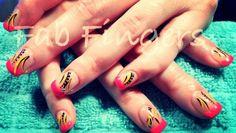 funky-gel-nail-design_73890-620x350.jpg (620×350)