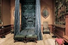 Grey #Gothic canopy bed and more traditional Medieval bedroom