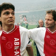 Jari litmanen afscheid bij Ajax samen met Danny Blind