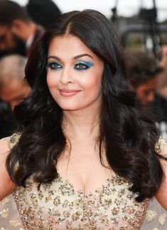 pose for paparazzi at screening of 'Slack Bay (Ma Loute)' at Cannes Film Festival at Palais des Festivals in Cannes France. Credit: George Pimentel Completed 15 Years at this year. Aishwarya Rai Pictures, Aishwarya Rai Photo, Aishwarya Rai Bachchan, Myrna Loy, Jean Harlow, Ava Gardner, Lana Turner, Jayne Mansfield, Joan Crawford