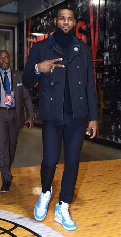 A History of LeBron James Wearing Air Jordans Lebron James, King Lebron, Nba Fashion, Streetwear Fashion, Mens Fashion, Style Fashion, Fashion Tips, Nike Outfits, Air Jordans