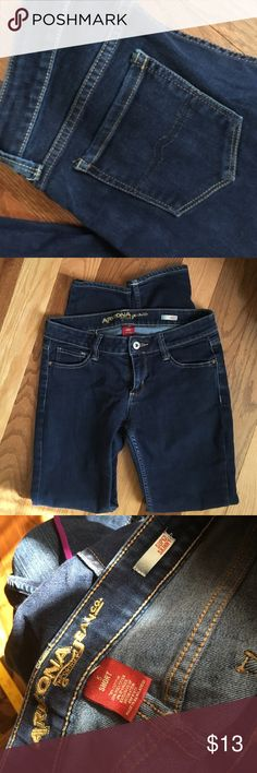 "Arizona Jeans Super Skinny Sz 5 short Great shape. Kiddo grew too fast. Waist 30"". Inseam 27"". Arizona Jean Company Jeans Skinny"