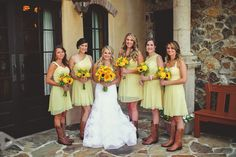 bride and bridesmaids | yellow bridesmaids | vera wang | southern wedding | summer wedding | sunflowers