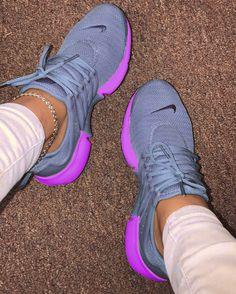 Cute Nike Shoes, Fly Shoes, Cute Sneakers, Nike Air Shoes, Sock Shoes, Shoe Boots, Nike Fashion, Sneakers Fashion, Aesthetic Shoes