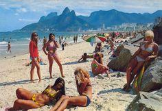 As garotas de Ipanema nos anos 60.
