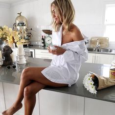 One of my favorite places to be is in the kitchen and I feel like it can be such an intimate place in the home so love the classy / sexy kitchen shots that incorporate daily life into boudoir Café Sexy, Sexy Coffee, Coffee Girl, Shooting Photo Boudoir, Boudoir Photo Shoot, Selfies, Oversized White Shirt, Photographie Portrait Inspiration, Girls White Dress