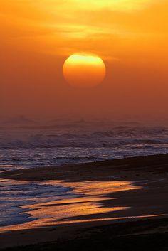 Sunset - ©/cc Luis Argerich - http://www.flickr.com/photos/lrargerich/8365856730/