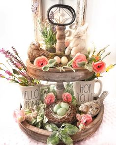 Cool 35 Trendy Easter Decorations Ideas That Bringing A Farmhouse Appeal To Your Home. # Decorations 35 Trendy Easter Decorations Ideas That Bringing A Farmhouse Appeal To Your Home Diy Easter Decorations, Decoration Table, Tray Decor, Diy Osterschmuck, Easy Diy, Tray Styling, Diy Ostern, Tiered Stand, Easter Colors