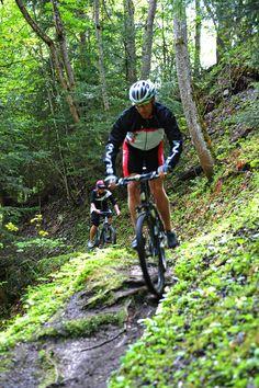 Mountainbiken auf 25.000 Höhenmetern - 930 km ausgeschilderten Routen.  Das aQi Hotel Schladming ist Mitglied der Gruppe Mountainbike-Hotels-Schladming-Dachstein. Mountain Biking, Hotels, Bicycle, Ski, Group, Bicycle Kick, Bike, Trial Bike