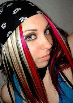 This hair! Switch it so the black is blonde and the blonde is black...and the pink is baby not hot.