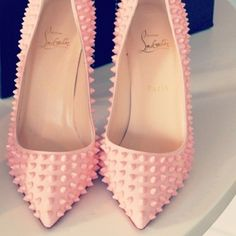 Love the color and texture of these shoes! Want for Spring!