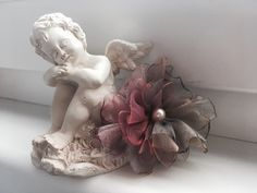 #flower #vintage Flower Vintage, Garden Sculpture, Statue, Outdoor Decor, Flowers, Home Decor, Art, Art Background, Decoration Home