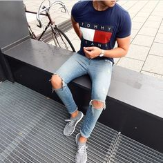 Men also can access all kinds of clothing and accessories necessary to accompany the clothes. Skinny ripped jeans are extremely hard and complicated when wearing. Skinny ripped jeans are available in many unique designs. Trendy Mens Fashion, Teen Boy Fashion, Look Fashion, Fashion Sale, Fashion Today, Paris Fashion, Fashion Fashion, Runway Fashion, Fashion Trends