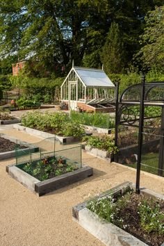 Vote for the Best Edible Garden Finalist in the 2015 Gardenista Considered Design Awards DIY Garden Potager Garden, Veg Garden, Vegetable Garden Design, Edible Garden, Garden Landscaping, Garden Tools, Vegetable Gardening, Organic Gardening, Vintage Gardening