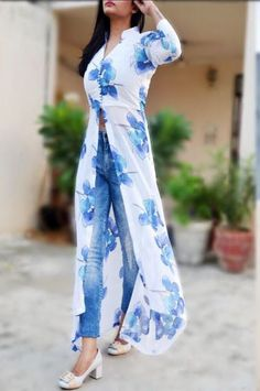 Attractive Kurtis with Jeans Style - DressDesign Indian Gowns Dresses, Indian Fashion Dresses, Indian Designer Outfits, Indian Outfits, Fashion Outfits, Maxi Dresses, Stylish Dress Designs, Designs For Dresses, Dress Over Jeans