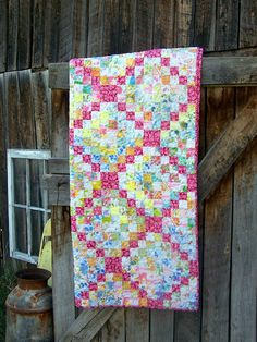Quilt Taffy: Pink Trip Pattern - Love how they used a bright pink fabric with the vintage sheets. Best vintage sheet project I've seen. Quilting Tutorials, Quilting Projects, Quilting Designs, Quilting Ideas, Sewing Projects, Quilt Design, Scrappy Quilts, Baby Quilts, Pink Quilts