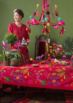 """GUDRUN SJÖDÉN – """"Frida"""" tablecloth in eco-cotton For a wonderfully colourful Christmas table, go for our Frida Kahlo-inspired pattern filled with flowers and birds in beautiful colours. Article number 69213 Price £ 49 Club price £ 42"""