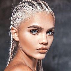 Blonde braid madness. Pinterest @TatiRocks⭐️