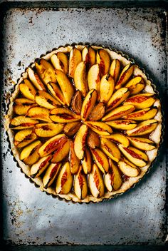 brown butter nectarine tart (recope) / by brooklyn supper
